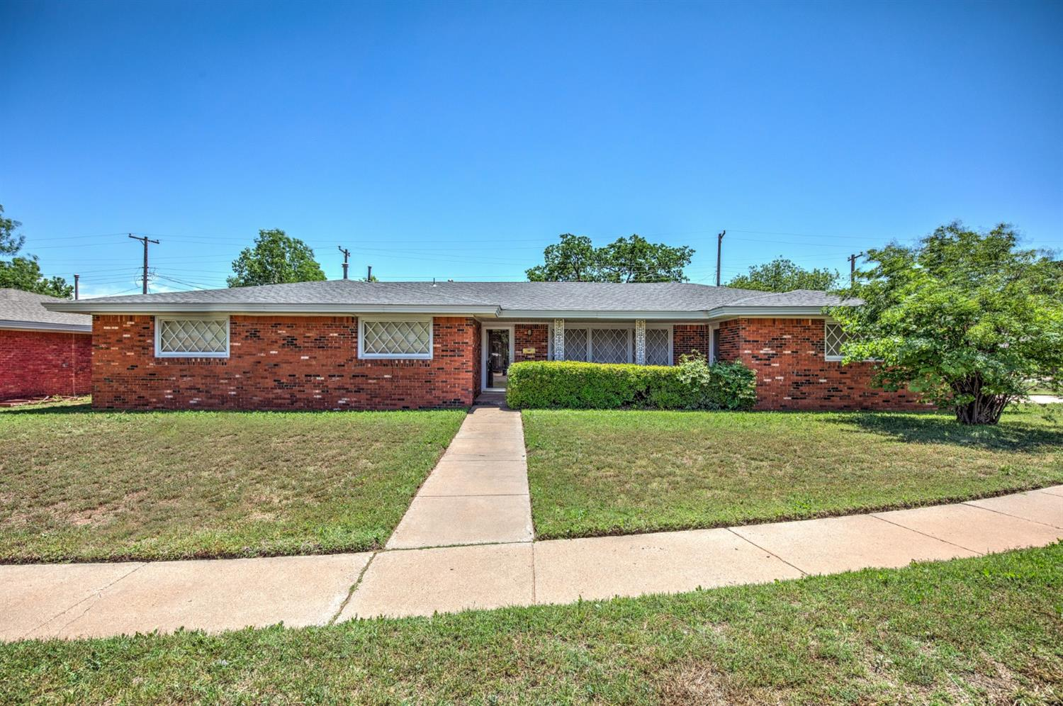 5435 7th Street, Lubbock in Lubbock County, TX 79416 Home for Sale