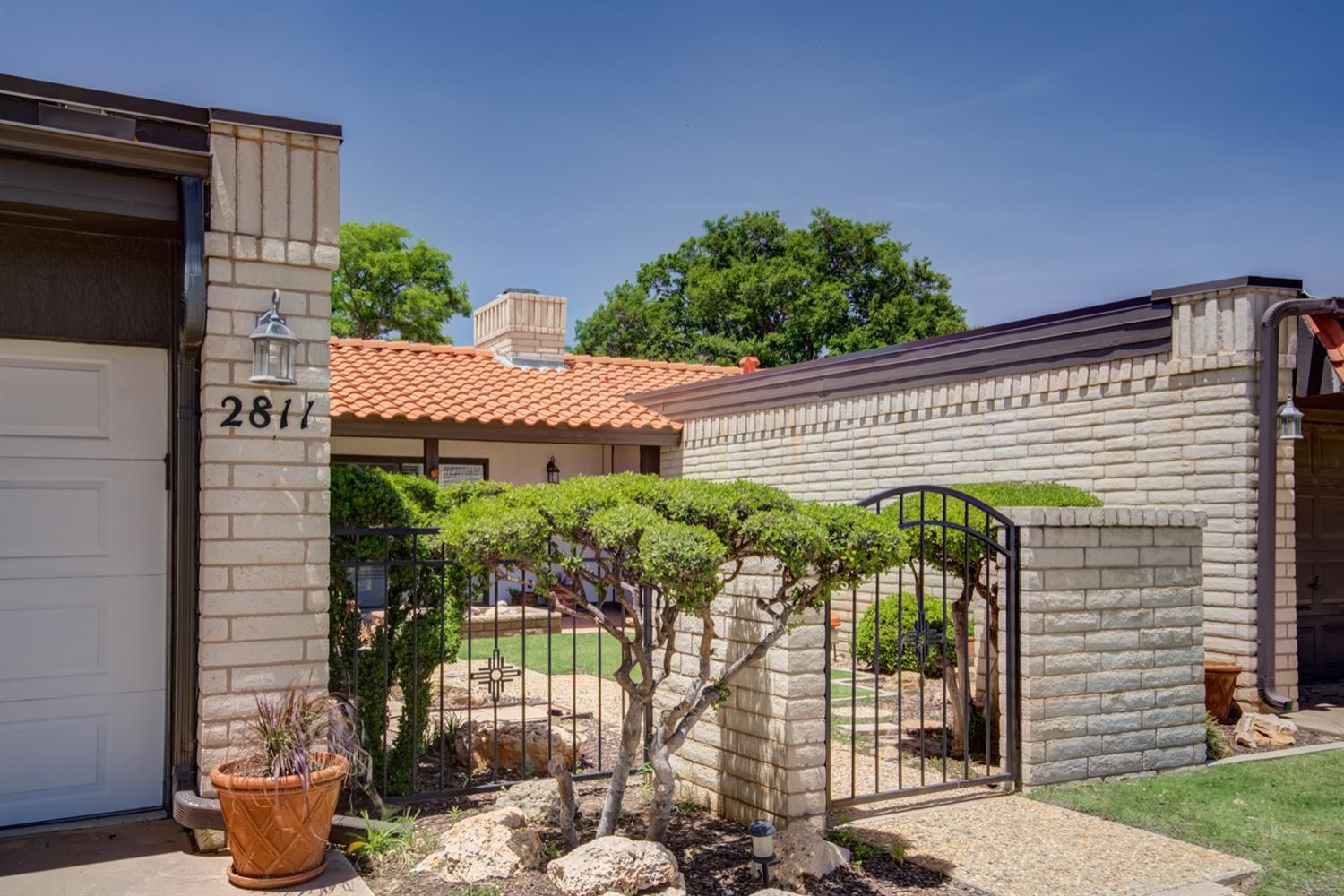 2811 N Meadow Drive, one of homes for sale in Lubbock