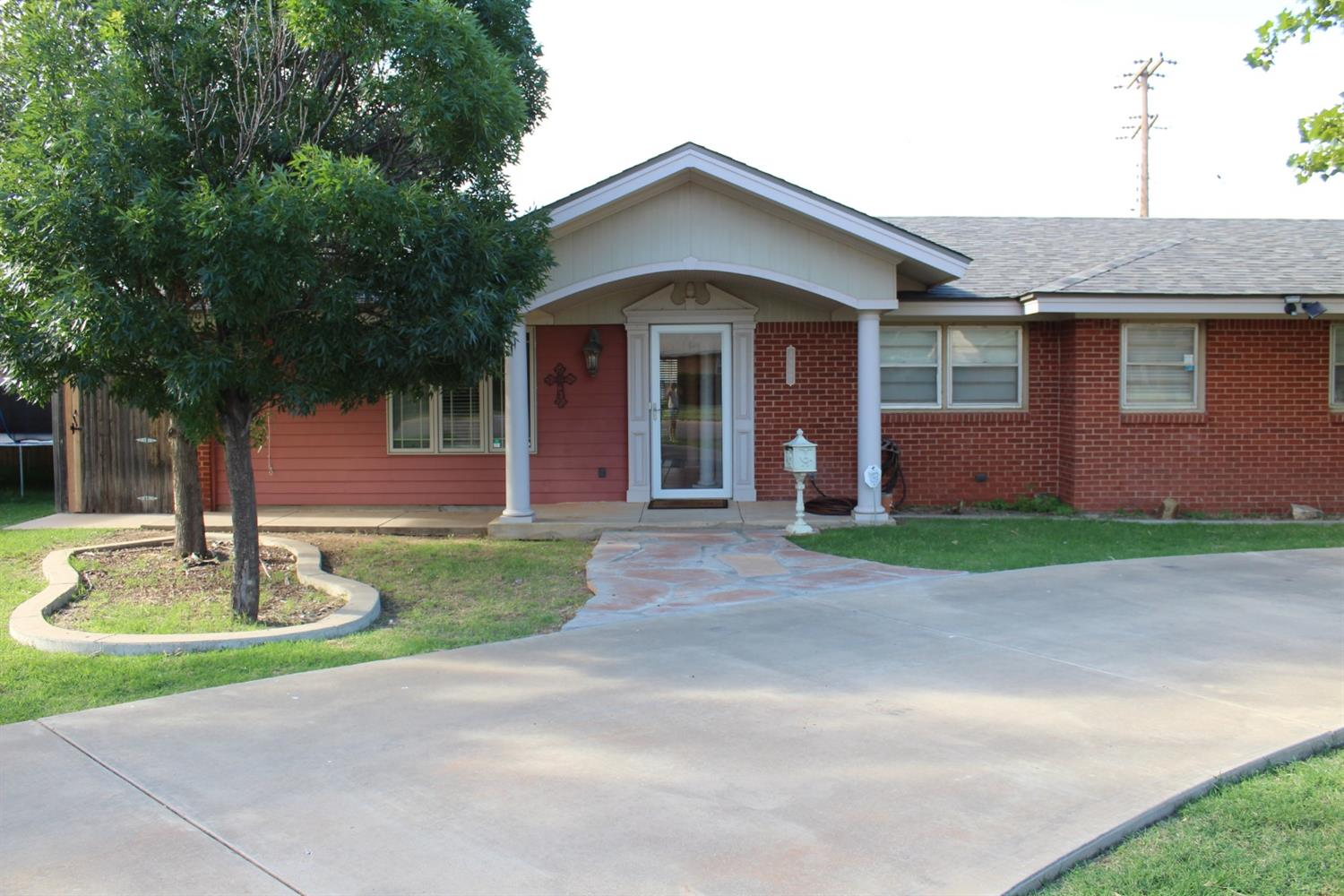 4902 9th Street, Lubbock in Lubbock County, TX 79416 Home for Sale