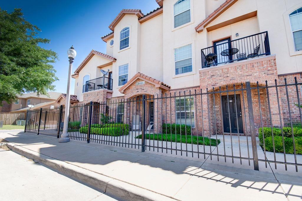 2112 Main Street, Lubbock, Texas