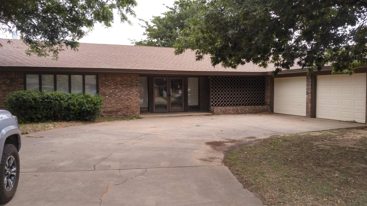 3402 74th Street, Lubbock in Lubbock County, TX 79423 Home for Sale
