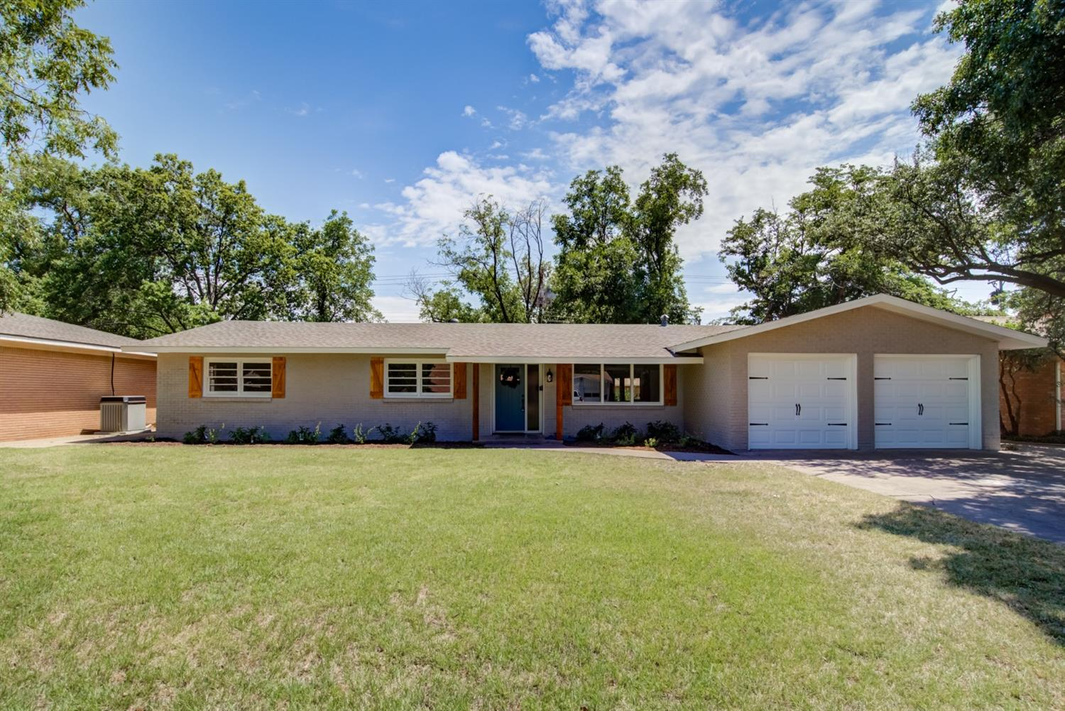 2105 56th Street, Lubbock in Lubbock County, TX 79412 Home for Sale