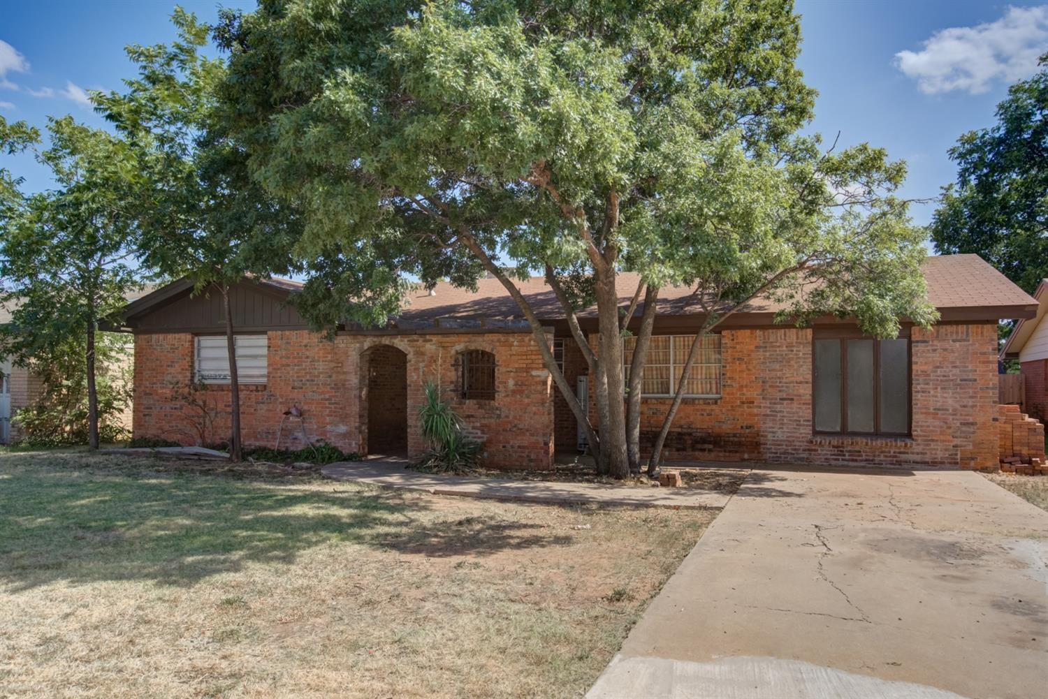 5423 47th Street, Lubbock in Lubbock County, TX 79414 Home for Sale