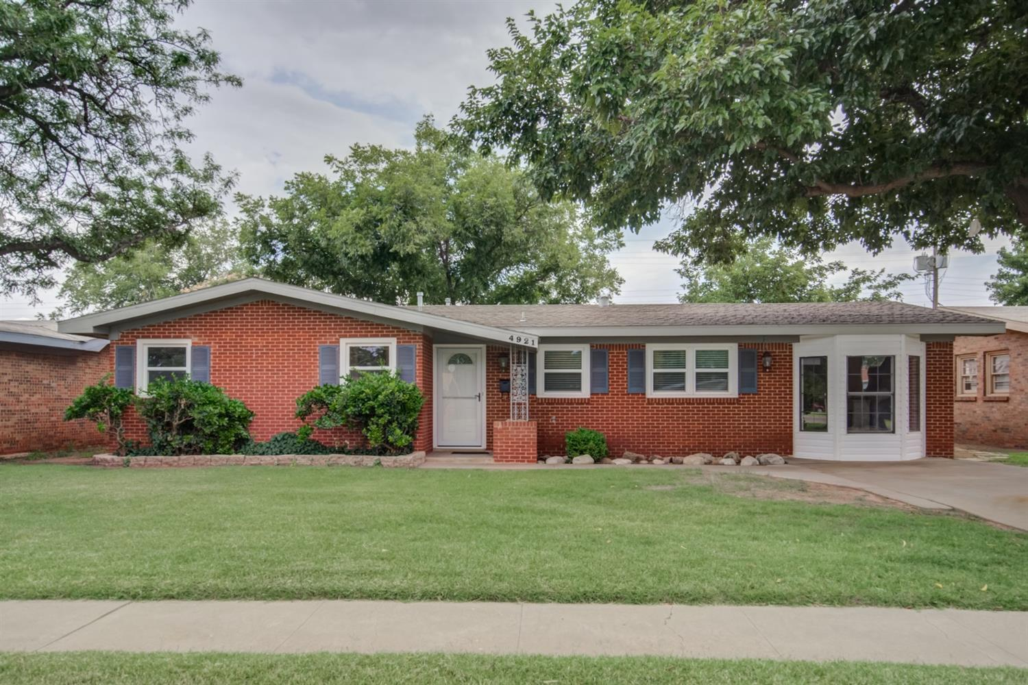 4921 49th Street, Lubbock in Lubbock County, TX 79414 Home for Sale