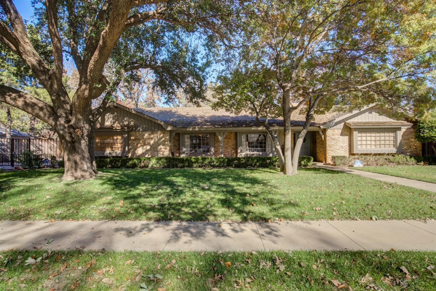 4406 10th Street, Lubbock in Lubbock County, TX 79416 Home for Sale