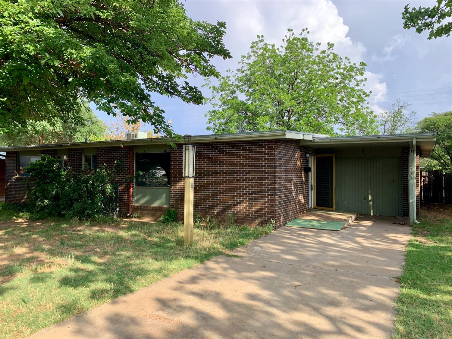 2735 68th Street, Lubbock in Lubbock County, TX 79413 Home for Sale