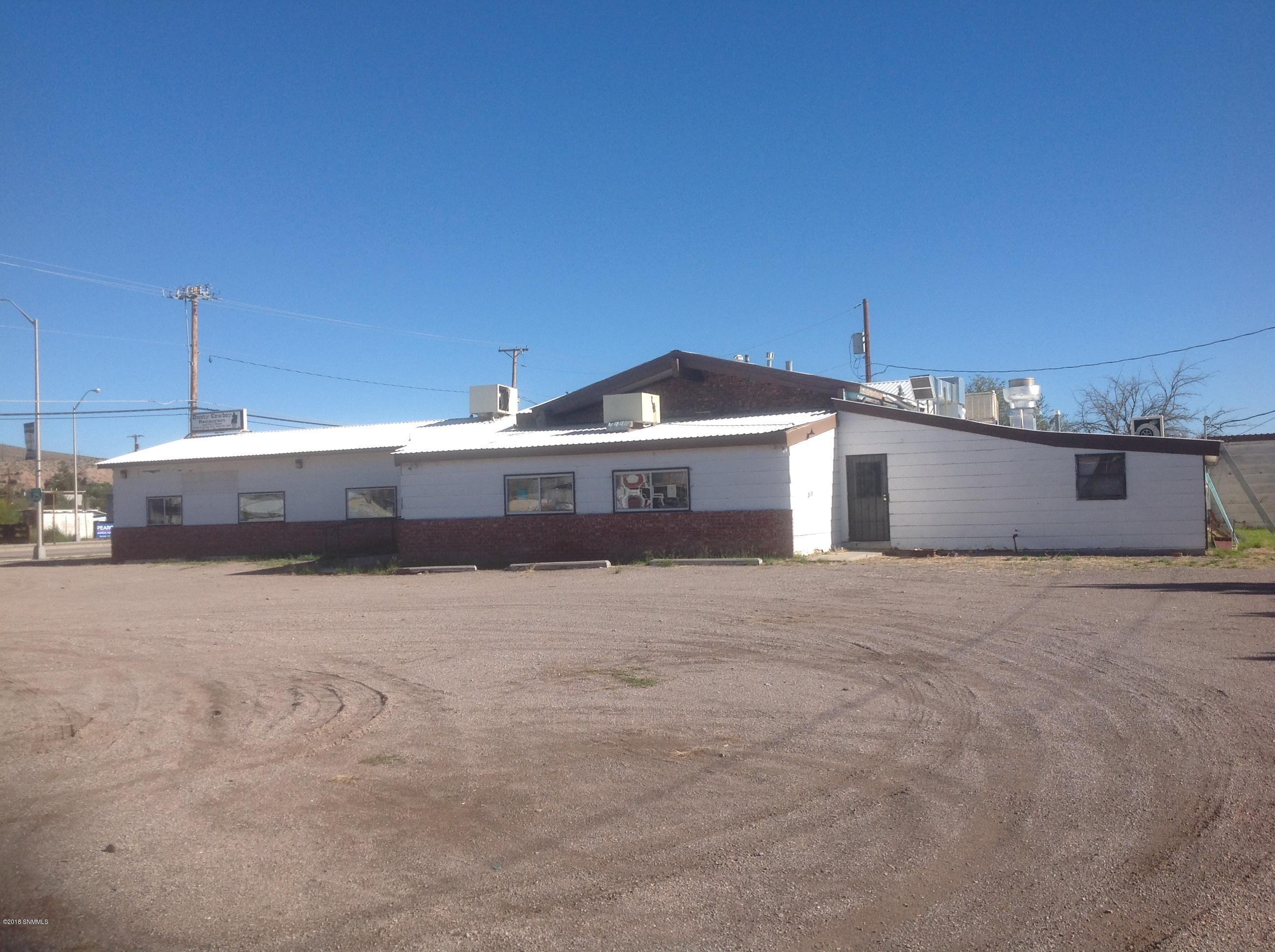 primary photo for 618 S Broadway Street, Truth or Consequences, NM 88350, US