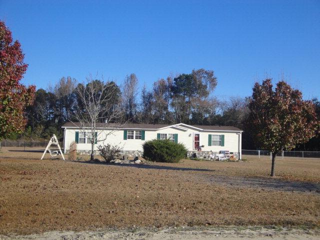963 Gentry Rd, Maxton, NC 28364