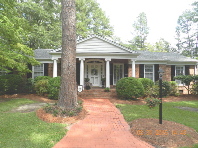 12521 Bag Pipe Ln, Laurinburg, NC 28352