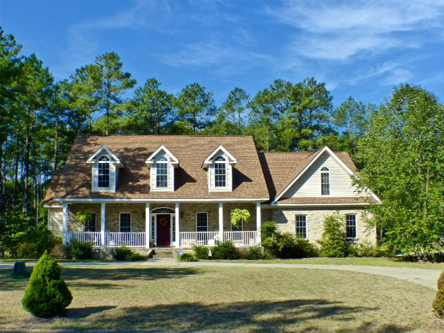 15940 Lovegrass Ln, Wagram, NC 28396