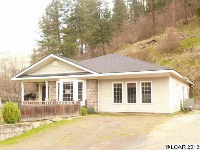 411 Berry Ave, Orofino, ID 83544