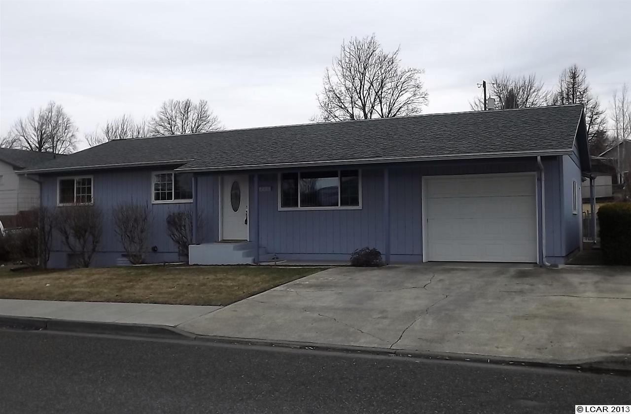 1220 18th Ave, Lewiston, ID 83501