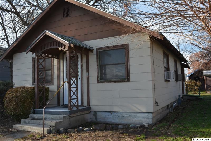 524 5th St, Clarkston, WA 99403