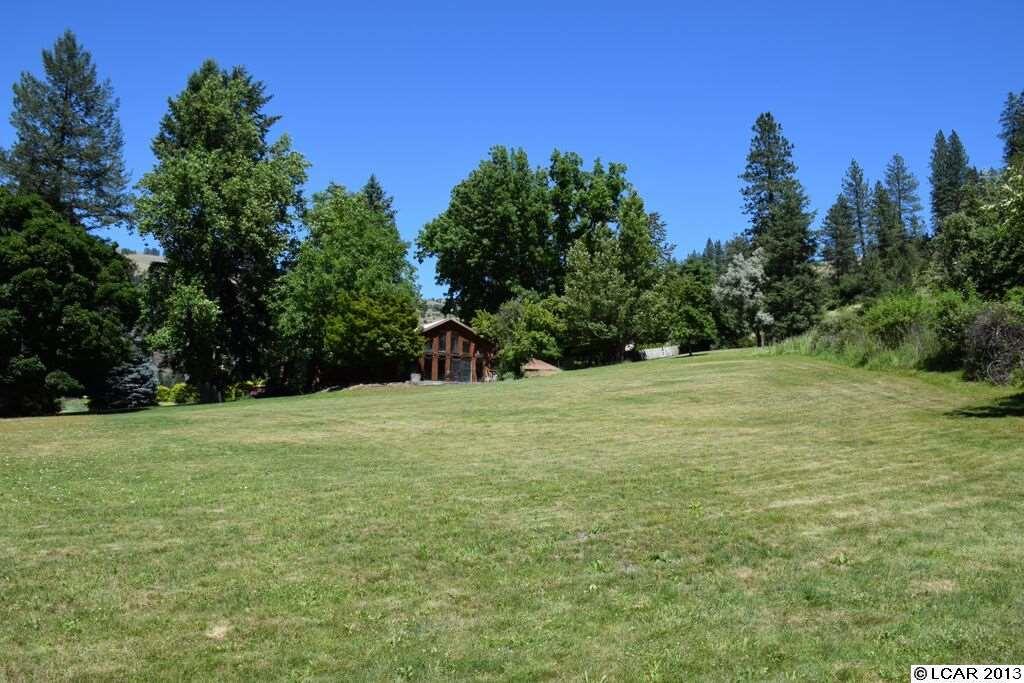 6.88 acres Lenore, ID