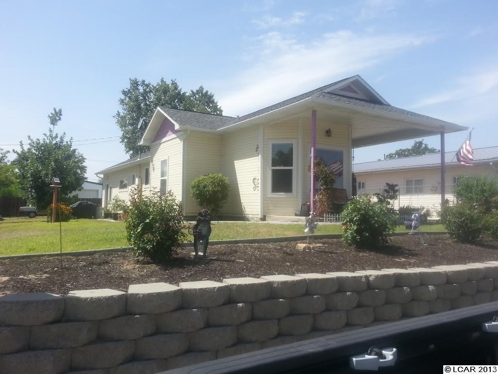 704 10th St, Clarkston, WA 99403