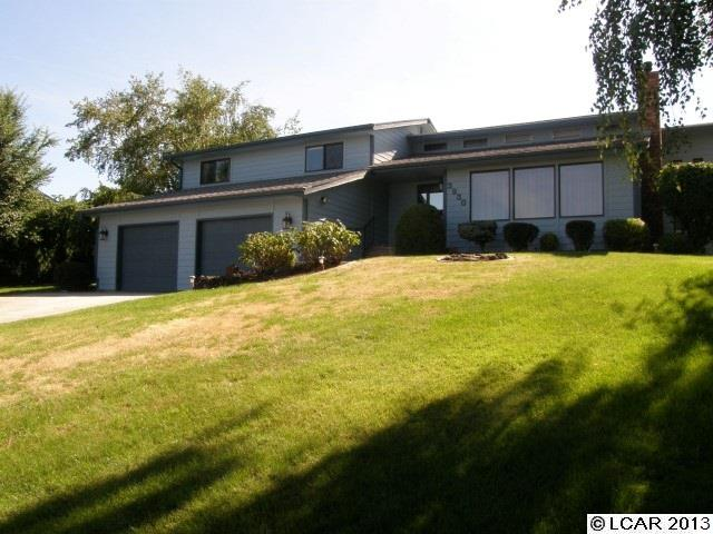 3930 Lakeview Dr, Lewiston, ID 83501