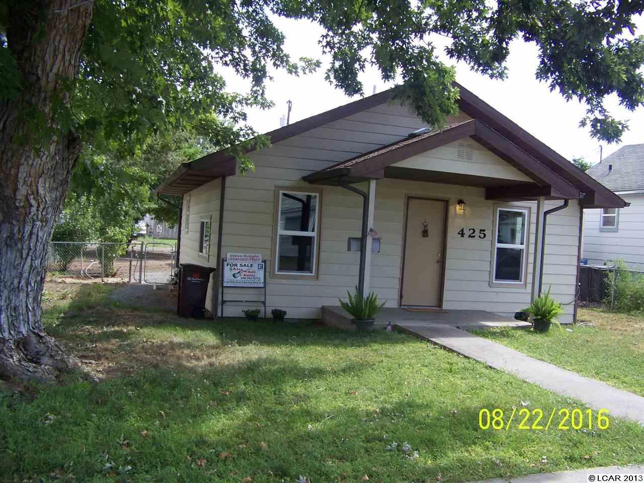 425 8th St, Clarkston, WA 99403