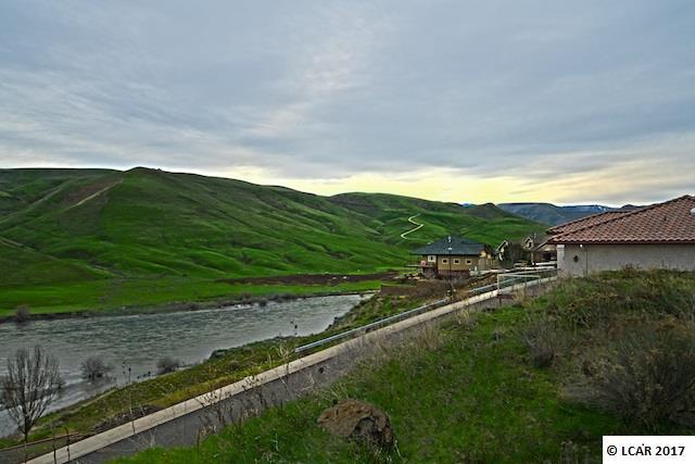 1493 River Ridge Drive Asotin, WA 99402