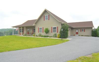 61 Fitterling Rd, Mohnton, PA 19540