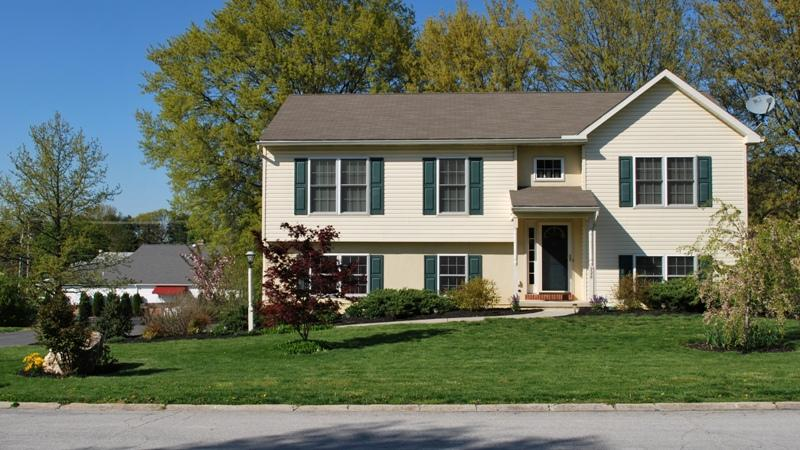 228 Maple Ave, Quarryville, PA 17566