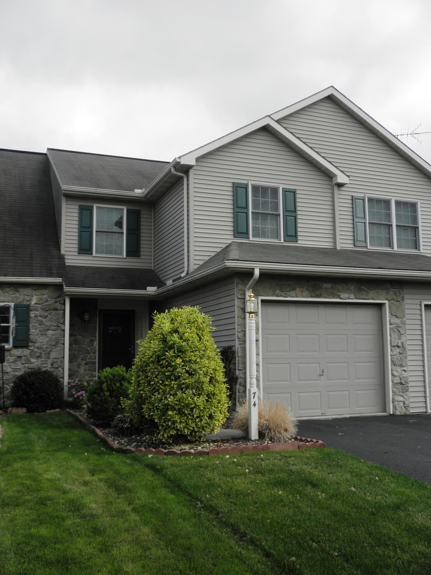 74 Pebble Creek Dr, Lititz, PA 17543