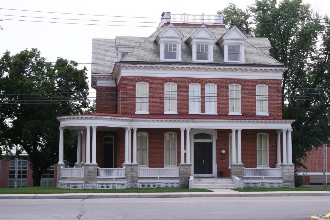 325 Hellam St, Wrightsville, PA 17368