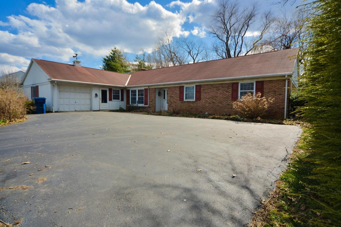 245 Crooked Ln, Lebanon, PA 17042
