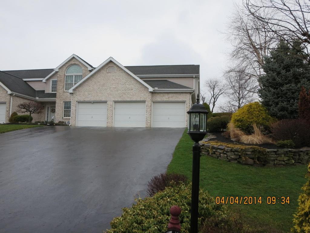 165 Stone Hedge Ct, Lebanon, PA 17042