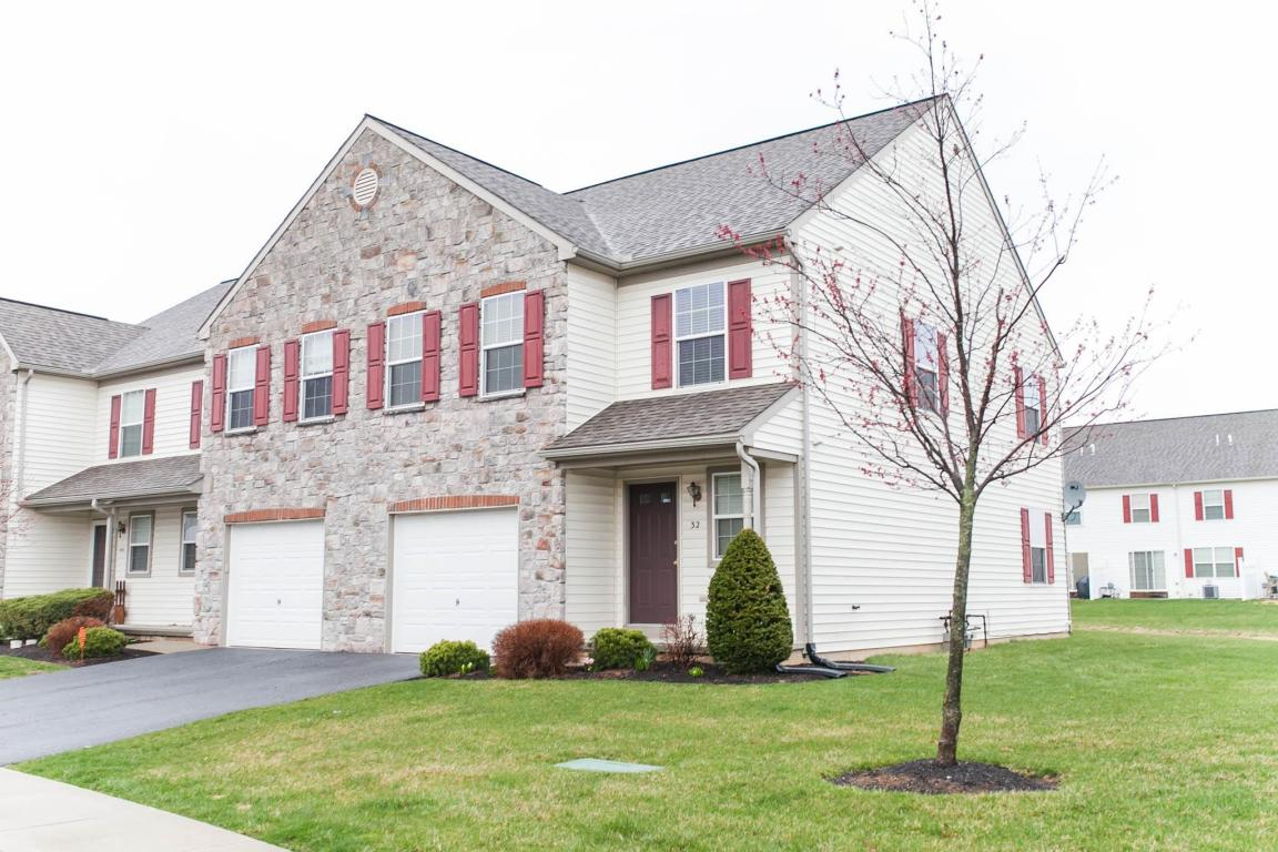 32 N Village Cir, Palmyra, PA 17078