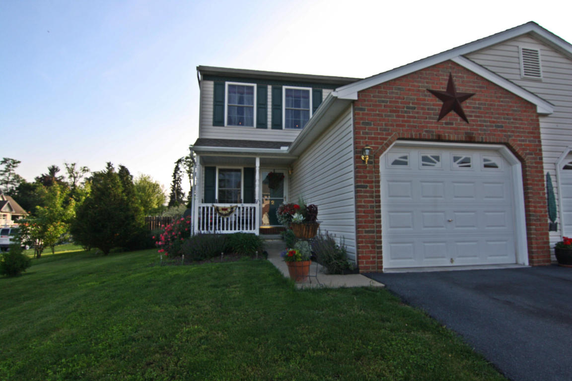 2 Grasshopper Ct, Myerstown, PA 17067
