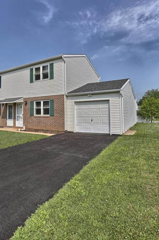29 Walnut Mill Ln, Cleona, PA 17042