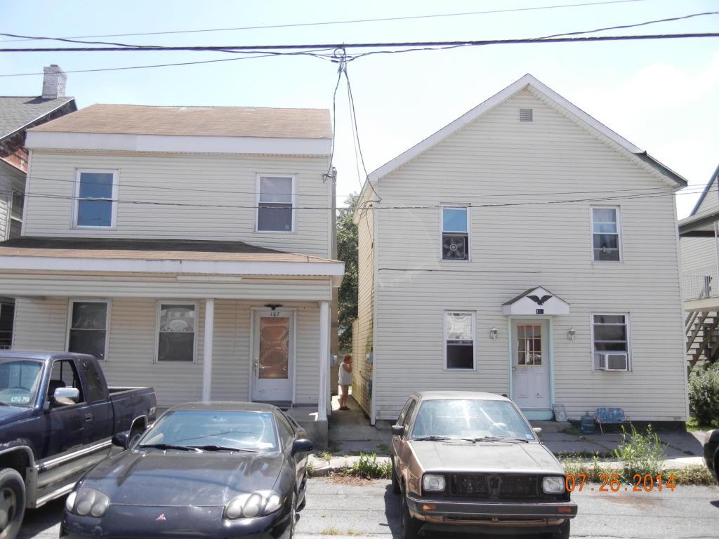 107 W Main St, Fredericksburg, PA 17026