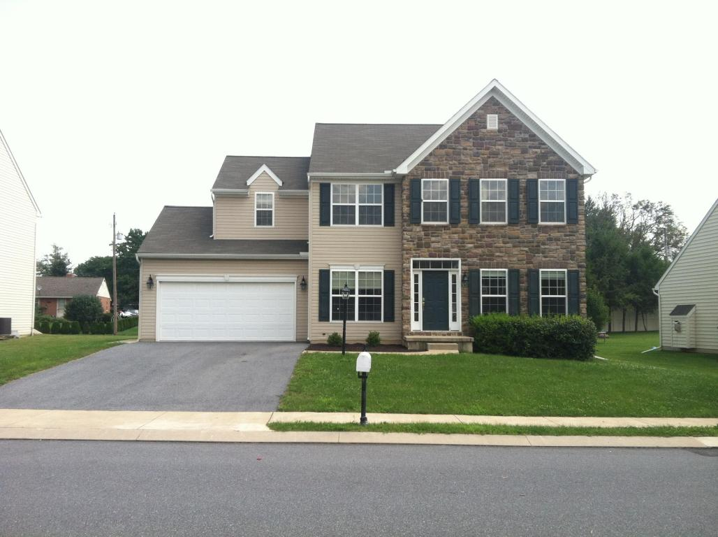 Featured Property in LANCASTER, PA, 17602