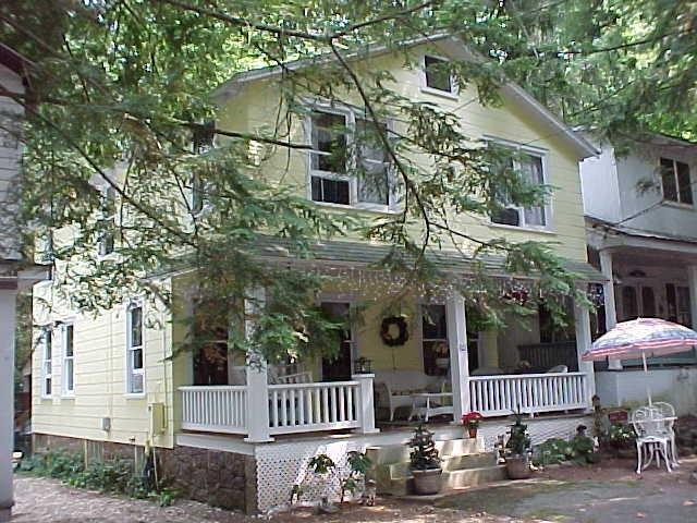 607 1st St, Mount Gretna, PA 17064
