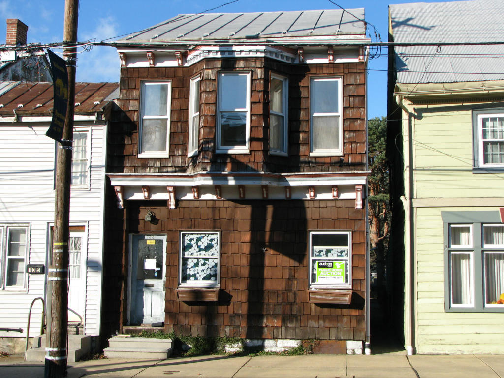 133 W Main Ave, Myerstown, PA 17067