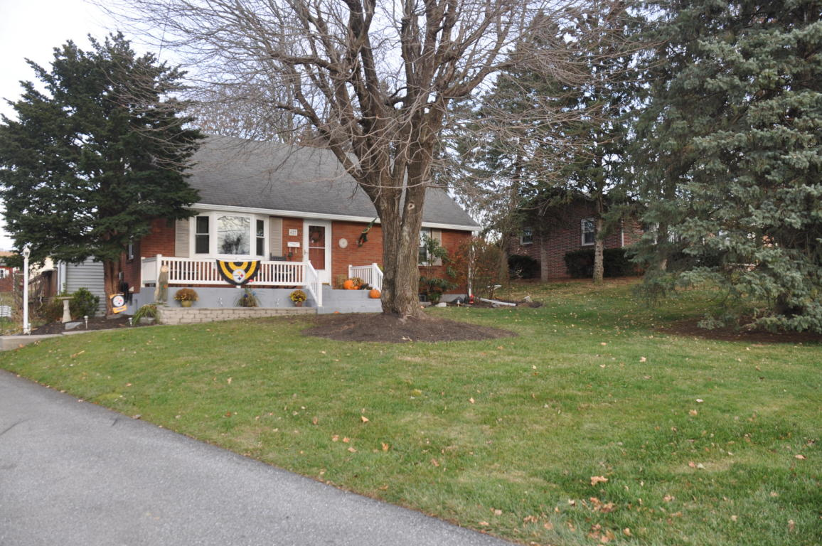 427 W Elm St, Cleona, PA 17042