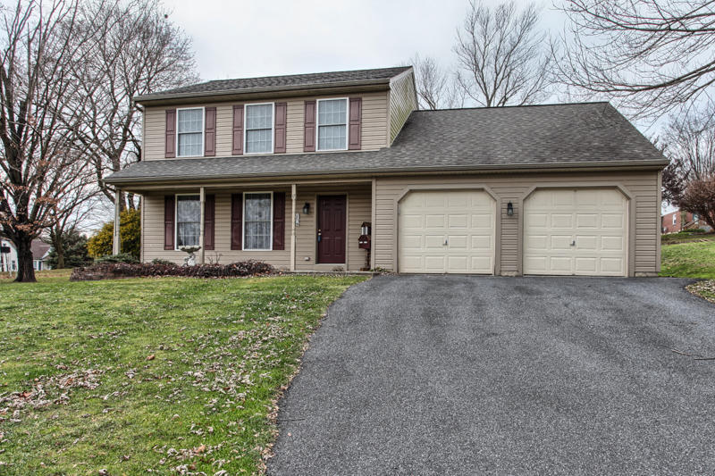 One of Lancaster 4 Bedroom Pool Homes for Sale