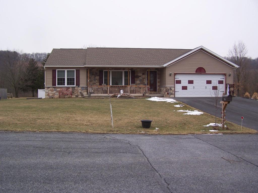 78 Fairway Dr, Fredericksburg, PA 17026