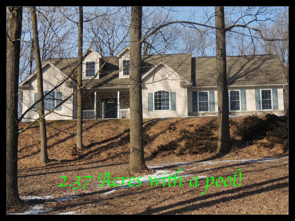 3 Oxford Dr, Newmanstown, PA 17073
