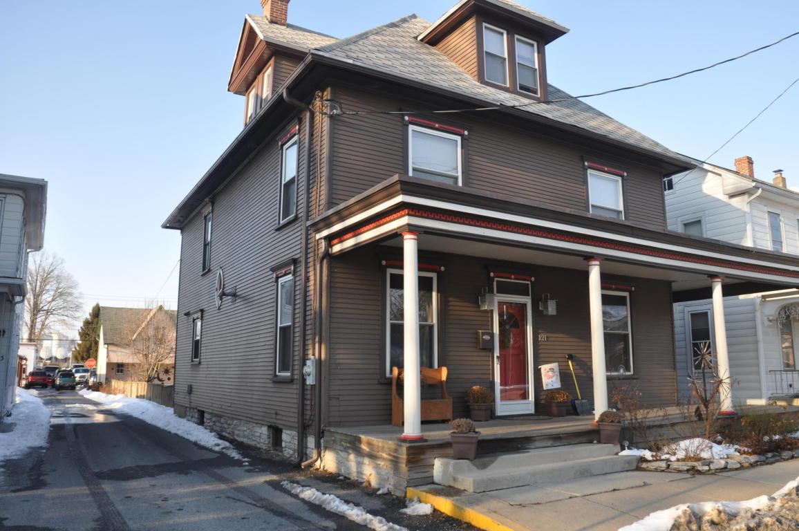 121 W Penn Ave, Cleona, PA 17042