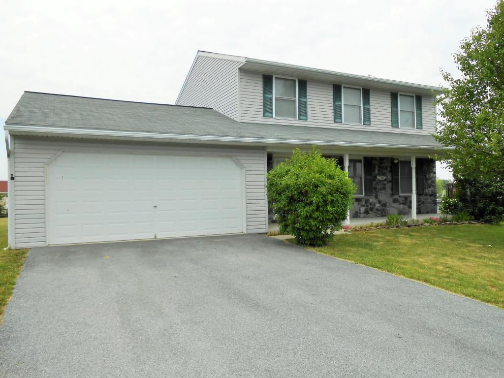 16 Cottage Ln, Newmanstown, PA 17073