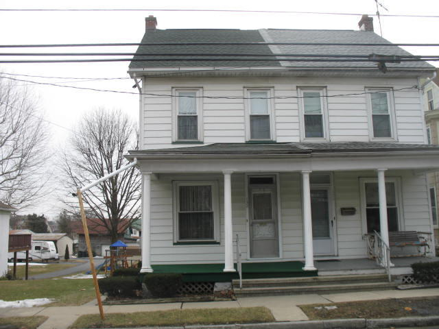 132 W Washington Ave, Myerstown, PA 17067