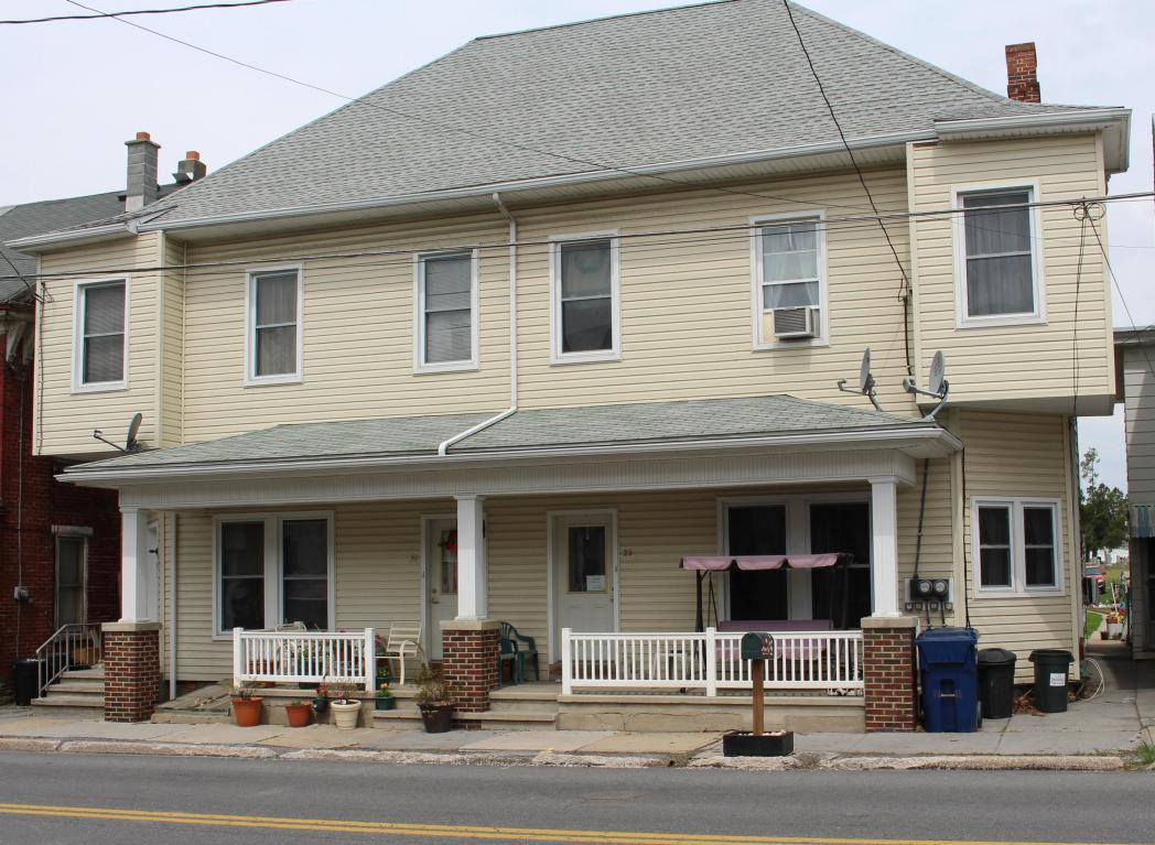 31 W Main St, Newmanstown, PA 17073