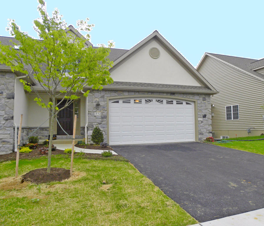 Real Estate for Sale, ListingId: 33631377, Mt Joy,PA17552