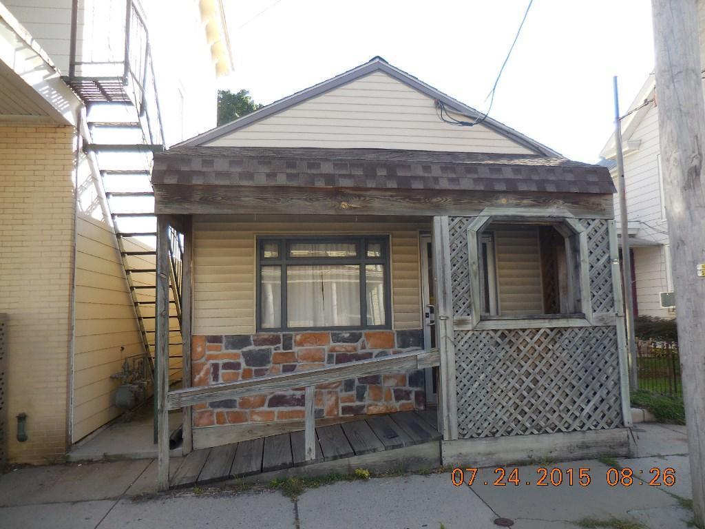 15 E Main St, Richland, PA 17087