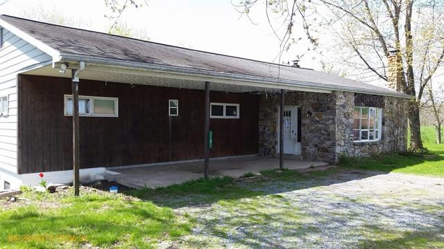 1185 Houtztown Rd, Myerstown, PA 17067