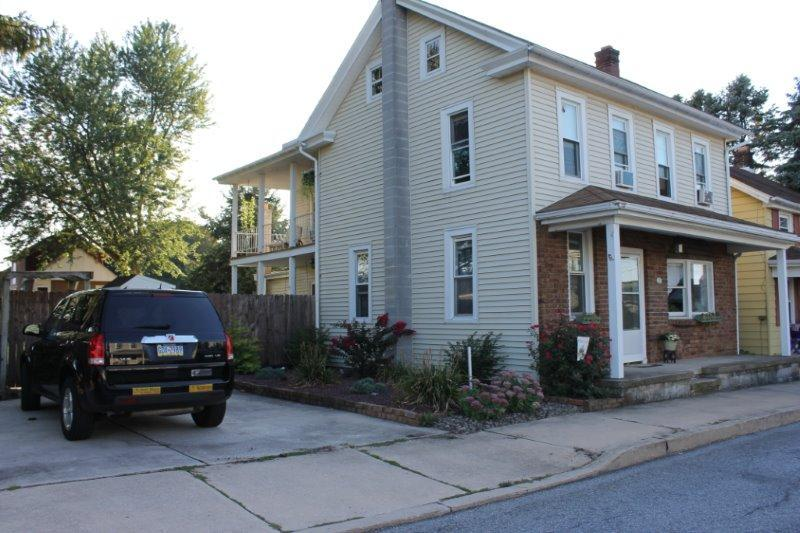 12 Church St, Richland, PA 17087