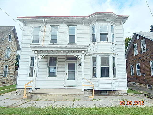 19 W Main St, Newmanstown, PA 17073