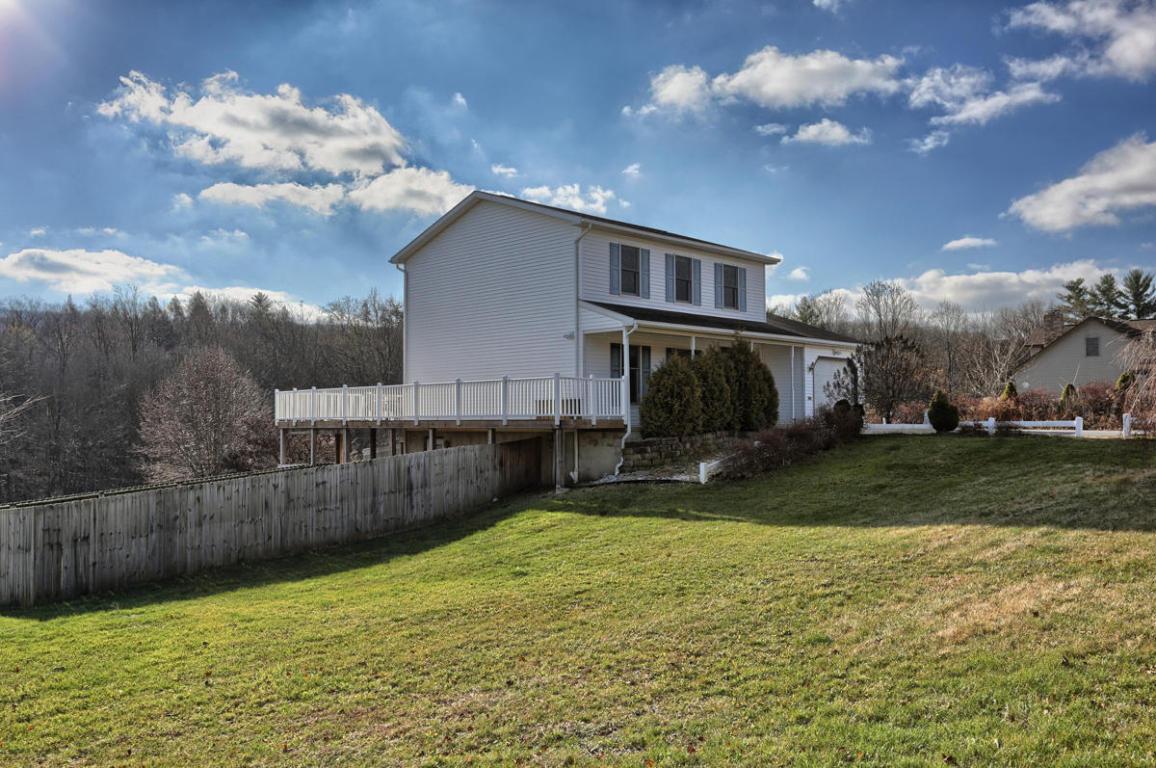 174 Ridge Rd, Jonestown, PA 17038