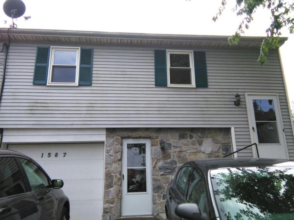 Photo of 1587 N READING ROAD  STEVENS  PA
